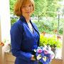 Elegantes Hochzeitskleid und Bolerojacke aus tiefblauer Seide