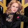 Das neue Kostüm für Madonna aus der Hard and Candy Tour