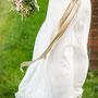 Traumhaft romantisches Brautkleid aus Seiden-Crépe-Georgette und eingearbeitetem Gürtel aus Seidensatin