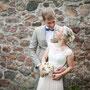Romantisches Brautkleid aus Seidenchiffon mit Farbverlauf, Oberteil aus Organza mit aufgearbeiteter Baumwoll-Spitze und eingearbeiteter Korsage © Jenny Pätzolt, Schneeweiß und Rosenrot Hochzeitsfotografie