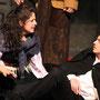Begegnung in Bistritz - eine verzweifelte Zigeunerin (Claudia Sieger) mit Lord Holmwood (Vito Marzio) | Foto: augen[werk]