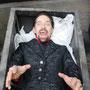 Dracula (Holger Schlosser) freut sich auf frisches Blut | Foto: Jürgen Meyer