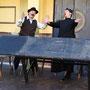 Peppone (Andreas Pedretti) ist entsetzt: Don Camillo (Sascha Diener) wird handgreiflich | Foto: U. Pacher