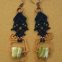 """orecchini in macramé """"MORGANA"""" R/7 - materiale: cotone, perline di vetro e filo di rame battuto a mano."""