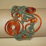"""bracciale in macramè """"Morgana"""" 6 - materiale: cotone, alluminio battuto a mano e perle di vetro. venduto"""