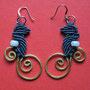 """orecchini in macramé """"MORGANA"""" A/8 - materiale: cotone, filo d'alluminio battuto a mano e perle di vetro - venduti"""