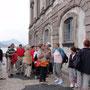 Vor dem Borromäischen Palast