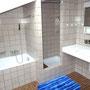 Badezimmer DU/WC und Badewanne