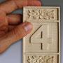 Номерки с цифрами резные для нумерации дверей или праздничных столов. Липа, воск.