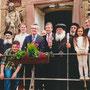 Gruppenfoto mit Pastor Tobias Spittmann (kath. Kirchengemeinde St. Johannes Baptist Brenkhausen), Bundesinnenminister Dr. Thomas de Mazière, S.E. Bischof Anba Damian, Christian Haase (MdB)