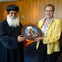S.E. Bischof Anba Damian und Frau Regierungspräsidentin Marianne Thomann-Stahl von der Bezirksregierung Detmold (Treffen am 29. Juni 2016)