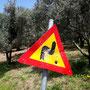 Straßenschilder sind in Kreta beliebte Zielscheiben