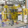 Eine neue Postfiliale mit Shop, Kinderland, Tiefkühlabteilung und Tretbootverleih.