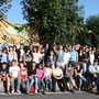 Première halte en route vers Lourdes, nous profitons du soleil pour la photo du groupe: 72 jeunes et 10 accompagnateurs