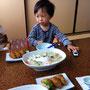 稲荷寿司三個とワンセットのスープ麺