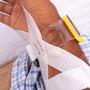 右手首の動脈からカテーテルの管が挿入されました。検査後の止血、最低四時間。