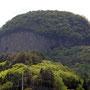 5月 でいだらぼっち伝説の由来がある丸岩 長野原町