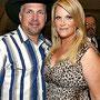 Garth Brooks & Trisha Yearwood Celebrate Anniversary at McDonald's - 14.12.09