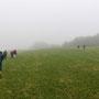 Der Nebel auf den Jurhöhen wird während dem Nachtessen noch dicker