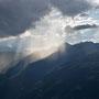 Im Lukmanier hinten ziehen jeden Abend Regenwolken auf