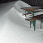 Dank Sturm ein Meter Neuschnee nur von heute in Ueli's Gartenwirtschaft