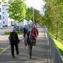 Nach dem Start beim Bahnhof Olten geht es kurz der Aare entlang