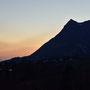 Sonnenuntergang mit Balmfluhchöpfli beim Start der Wanderung
