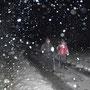 Auf dem Rückweg kurz im Schneegestöber, danach schüttet es wieder aus Kübeln
