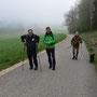 wir wandern im dichten Nebel