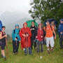 Gruppenbild oberhalb dem Glutzenberg mit Balmfluh im Hintergrund