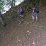 Auf diesem nicht mehr unterhaltenen Wanderweg geht es sehr steil nach oben am 16. August 2012  zum Bettlachstock