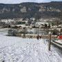 Bei der Einfahrt in Crémines ist die Schneedecke hauchdünn und der Raimeux praktisch schneefrei