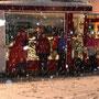 Präzis ab dem Besammlungszeitpunkt schneit es Leintücher