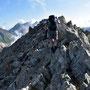 Der Höhepunkt: 300 Meter weglose Kraxelei über den Grat