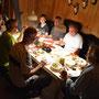 Wir geniessen das feine Fondue