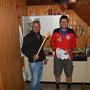 Hüttenwart Peter und Gastgeber Jörg beim Abwaschen