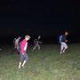 im Eilschritt mitten durch die Mutterkühe hindurch zur Wannefluhhütte