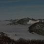 Noch nie gesehener Anblick mit den Lichtern des Windradparks auf dem Mont Crosin