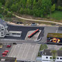 Feuerwehr-Ausbildungszentrum mit liegendem Eisenbahnwagen
