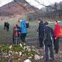 Abseits aller Wanderwege ein Zaun-Durchgang für Wanderer