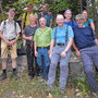 Gruppenbild hinter dem Waldhaus