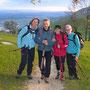 Der Wanderleiter mit den Kampfwanderfrauen