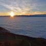 Sonnenaufgang auf den Chambenflühen mit Blick Richtung Ostalpen