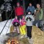Die Feuerwehr Wolfisberg serviert uns uverhofft ein heisses Getränk im Bergwald am Donnerstag 16. Februrar 2012