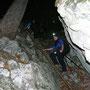 Sibylle beim Aufstieg via Leiter