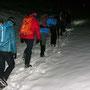 Im Schnee wird gleich nach dem Start die direkteste Aufstiegslinie gewählt