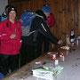 Geburtstags Apéro im Unterstand der Reckenacherhütte