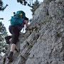 Priska machts vor. Schade, dass wir nur wenige solcher Kletterstellen im Jahresprogramm haben!