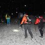 Leichter Schneefall begleitet uns im Aufstieg