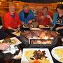 Gault Millau Essen am Lagerfeuer im Holzhüttli